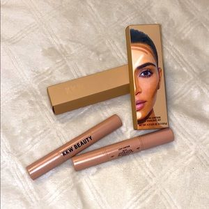 KKW concealer brush 2 and contour kit in light